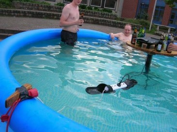 crazy-men-in-pool.jpg
