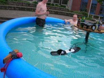 crazy-men-in-pool.jpg