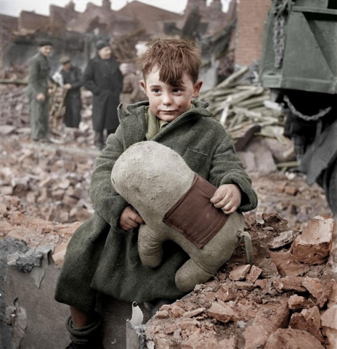 Colorized-Historical-Photos-01-685x710